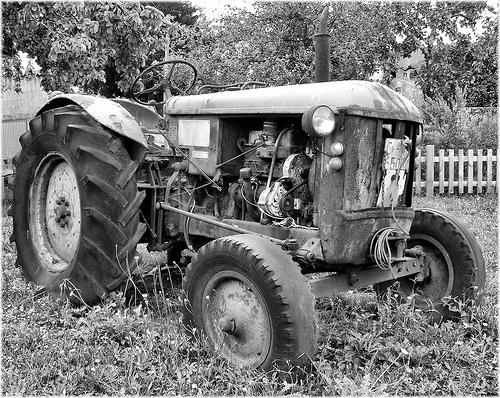 3211-Vello Tractor no Museo Etnografico O Pazo en A Capela (Coruña)