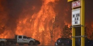 FORT_MCMURRAY_GAS_STATION_TWITTER